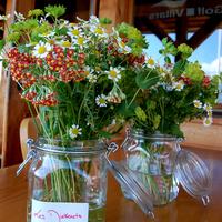 Virágot minden asztalra!