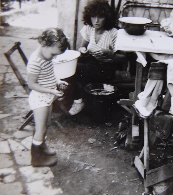 anyuval-1981-kicsi.jpg
