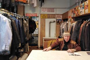 Pesti történelem egy mosodában...avagy egy 60 éves ruhatisztító üzlet