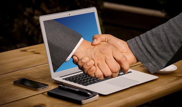 handshake-3382504_640.jpg