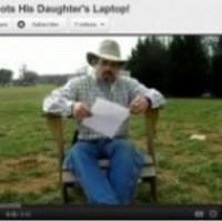 Már több mint 25 milliószor látták a lánya notebookját szétlövő apa üzenetét