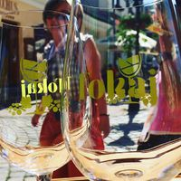 White wines, colorful culture - #winedays in #tokaj  #tokajwineregion #tokaji #visittokaj #tokajhegyalja #tokajiborok #wines #whitewines #wineglasses #winelover #instawine #winegram #instahungary #instahun #visithungary #UNESCO #unescoworldheritage #unescoworldheritagesite #discoverglobe #instaphoto #pictureoftheday #picoftheday @elmenyitthon @ilovehungarianwines @hellomagyarorszag