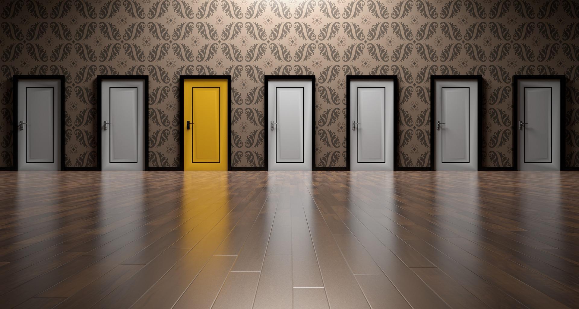 yellow_door_pixabay.jpg