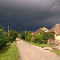 Vihar és nap