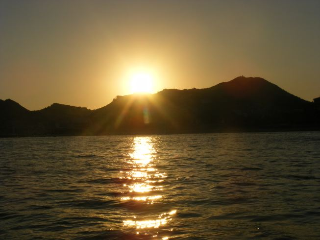 megy le a nap az öböl felett.jpg