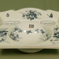 Fajansz mosdókagyló az 1900-as évekből
