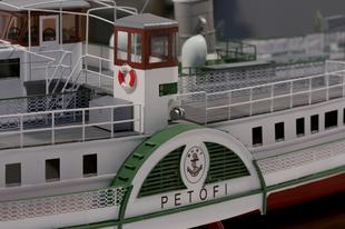 Új hajómodellel gyarapodott a Duna Múzeum tárgyi gyűjteménye