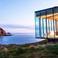 Ultramodern és önfenntartó ház saját öböllel kiadó