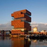 Öt földrész, öt múzeum - művészet és víz találkozása