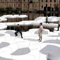 A vízen járás művészete, avagy újfajta közösségi tér a folyó közepén
