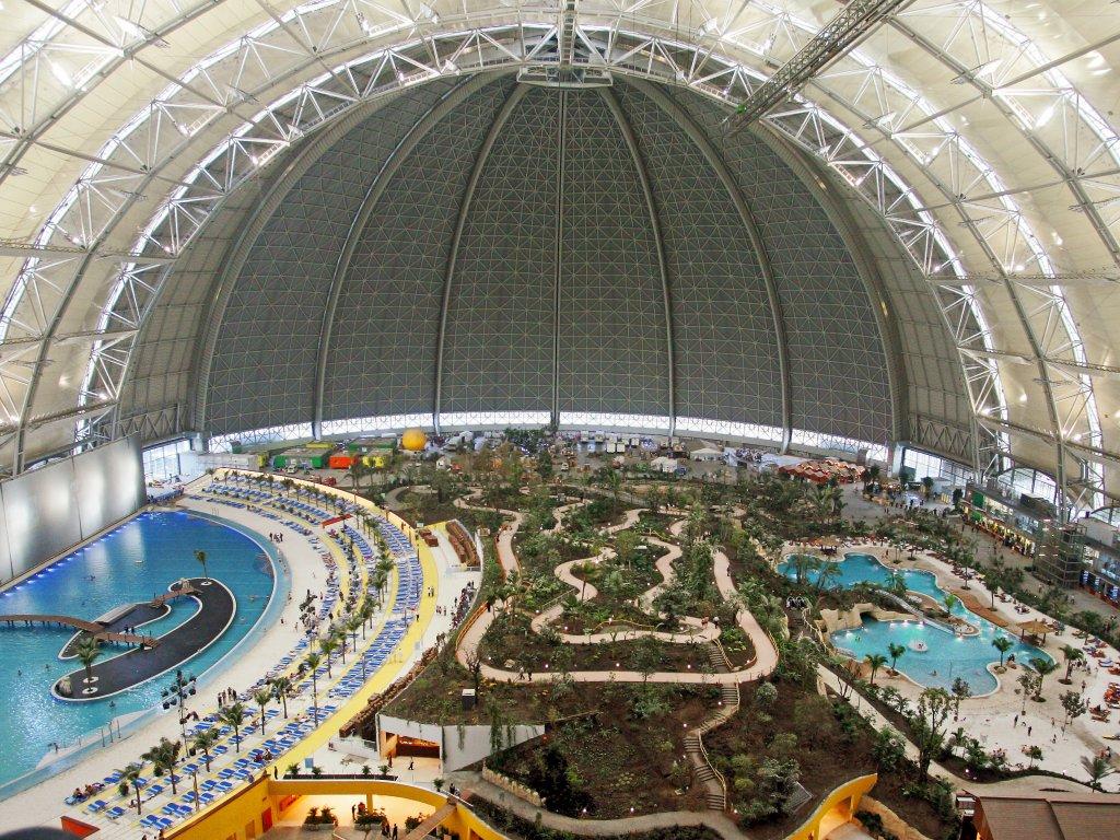 Fürdőparadicsom 66,000 m²-en