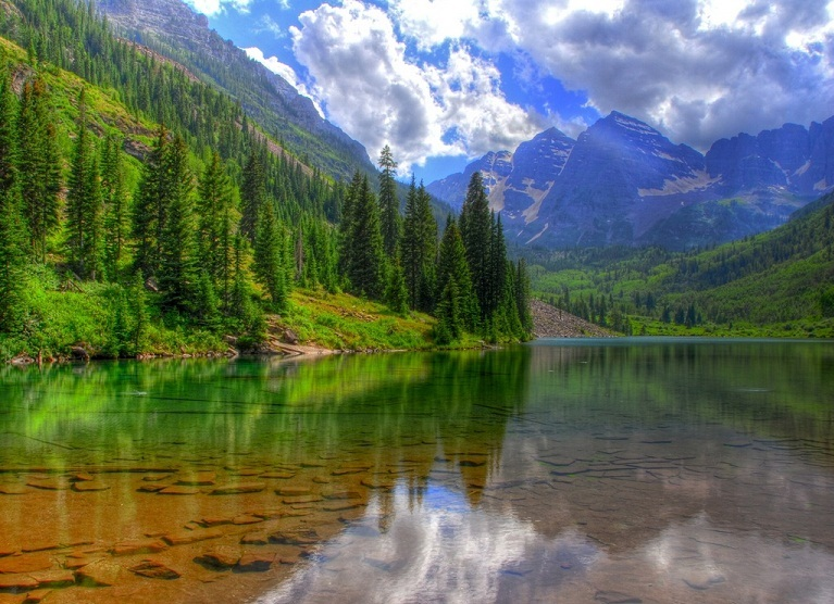 lake-baikal-trees-mountains-venuris_com.jpg