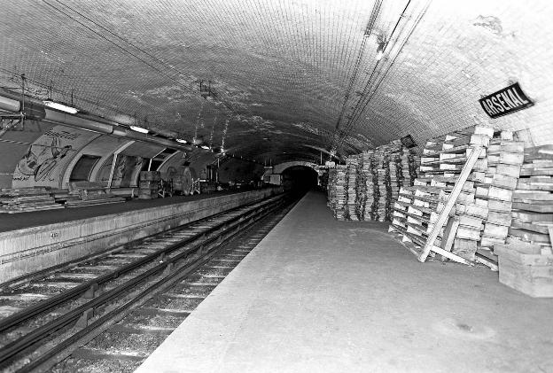 párizsi metró2.jpg