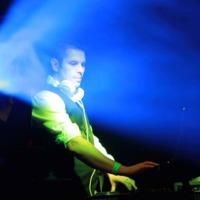 Lakodalomvarázs IV.: DJ Lighty szépérzéke nem engedi látni a kábelkötegeket