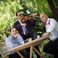 Lakodalomvarázs: ha nézed a Sláger TV-t, a Hollósy Band nem lehet ismeretlen