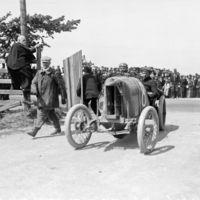 Vakmerő mérnökök az autóversenyzés hőskorából