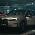 Christoph Waltz már letesztelte az új BMW iX modellt