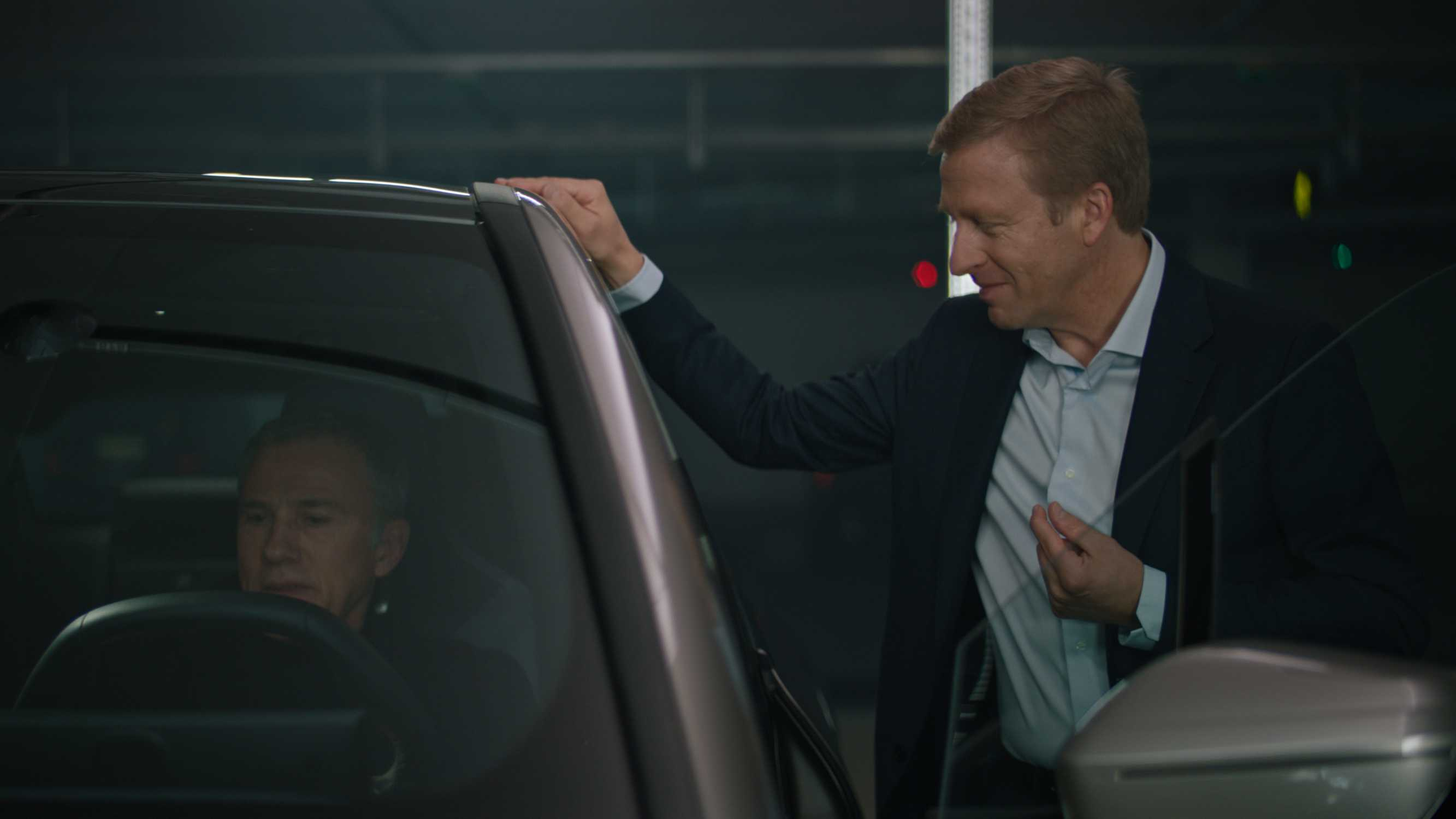 p90408077-christoph-waltz-with-the-chairman-of-the-board-of-management-of-bmw-ag-oliver-zipse-and-the-first-ev-2666px.jpg