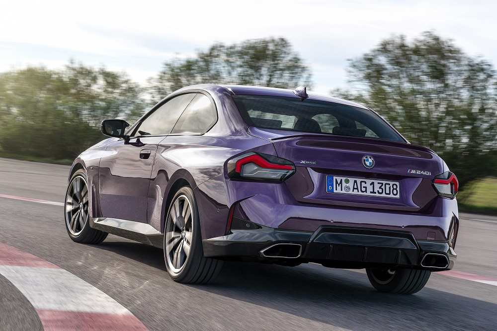 p90428450_highres_the-all-new-bmw-m240.jpg