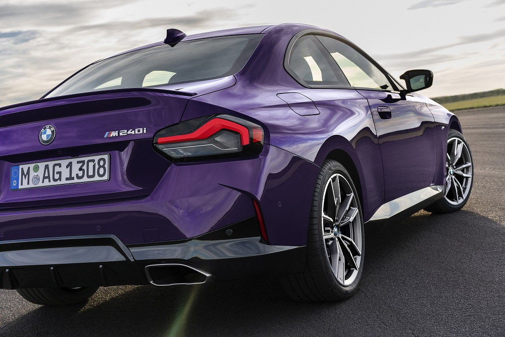 p90428462_highres_the-all-new-bmw-m240.jpg