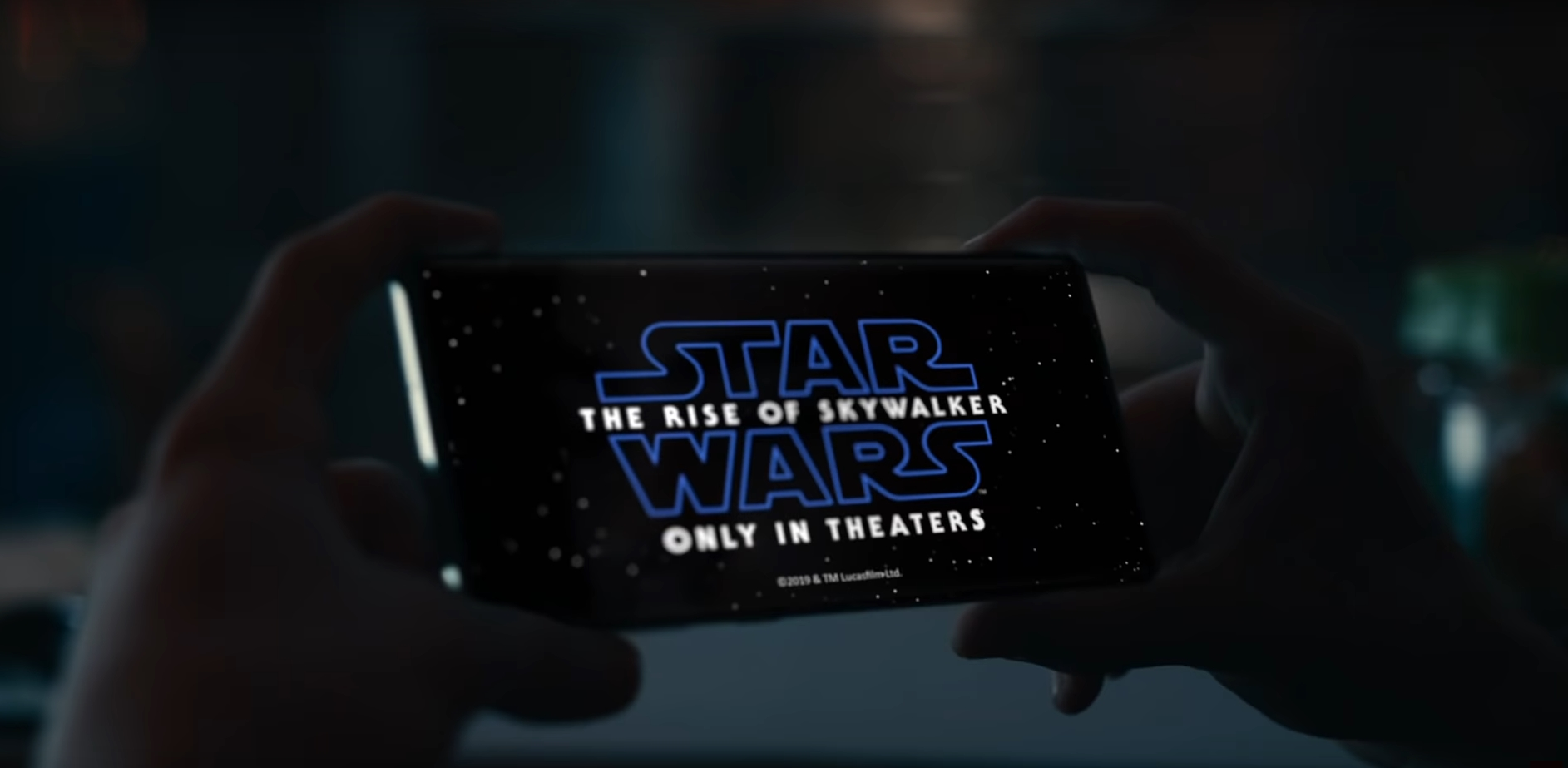 samsung_joins_forces_with_star_wars_for_holiday_collaboration_film_2.jpg