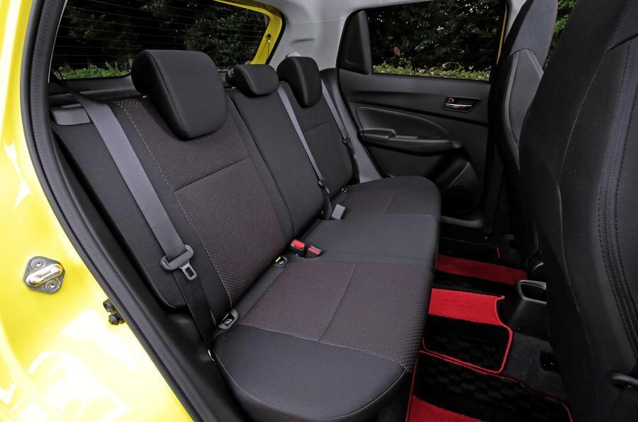 11-suzuki-swift-sport-rear-seats.jpg
