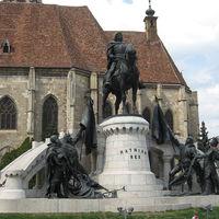 Gyűjtsük össze Mátyás király szobrait!