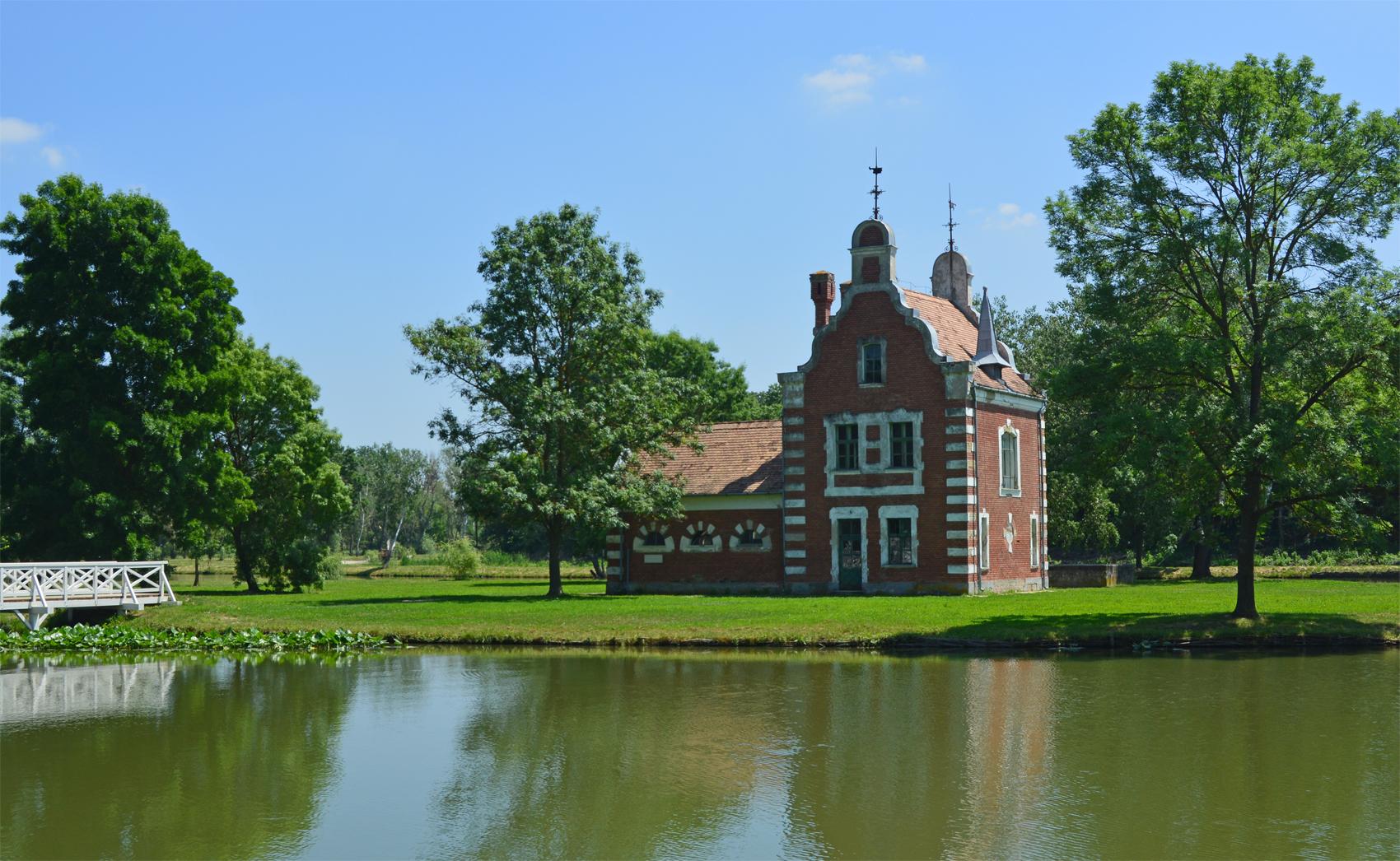 a csodás angolkert különleges 'hollandi háza'
