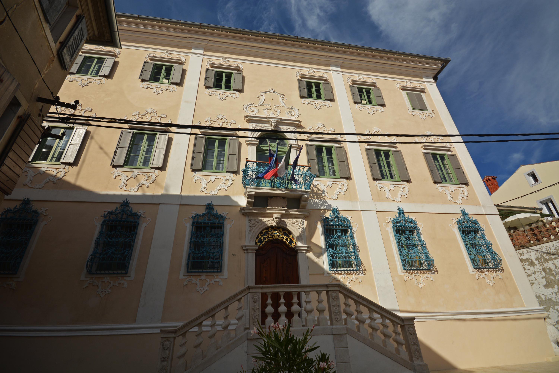 Izola gyönyörű barokk palotája