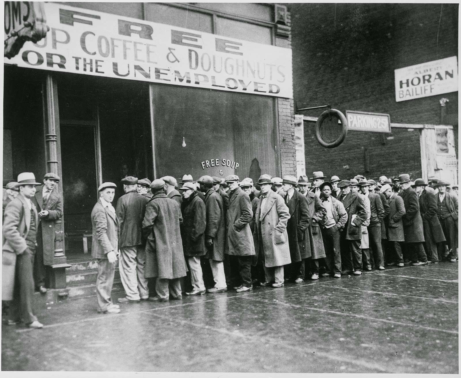 al_capone_s_soup_kitchen_during_the_great_depression_chicago_1931.jpg