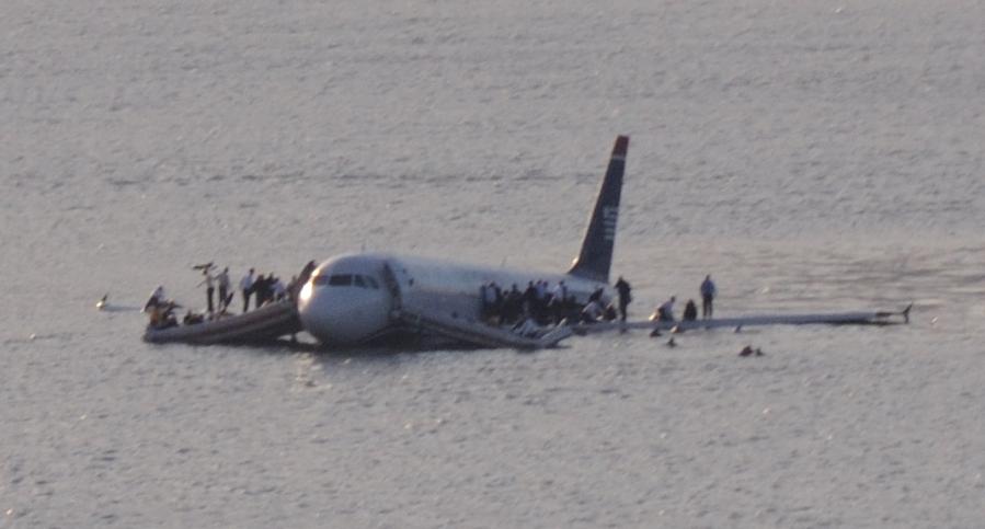 plane_crash_into_hudson_river_crop.jpg