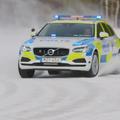 Így csapat a hóban a világ legjobb rendőrautója a Volvo tesztpályán