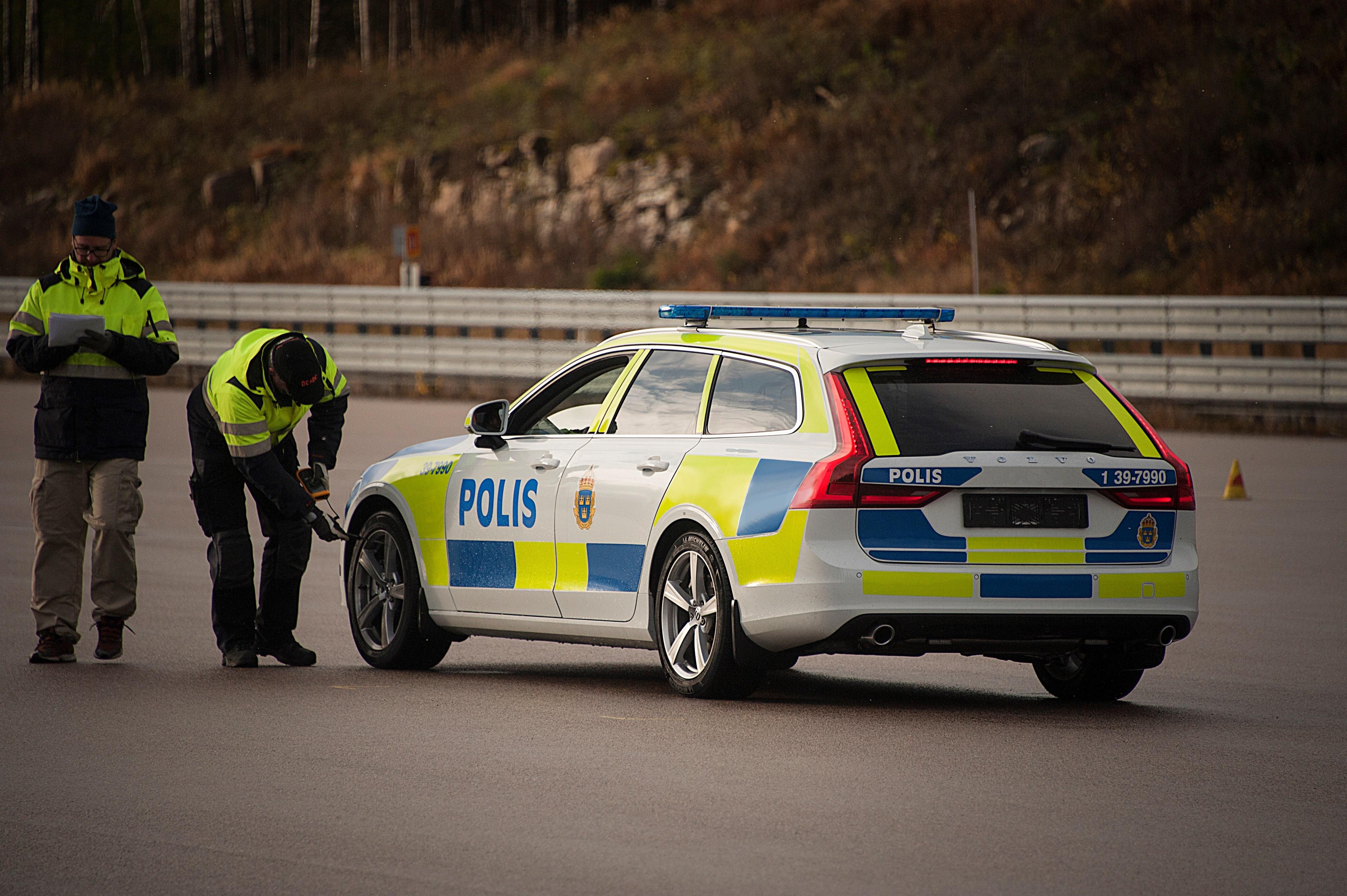 201322_volvo_v90_as_a_police_car.jpg