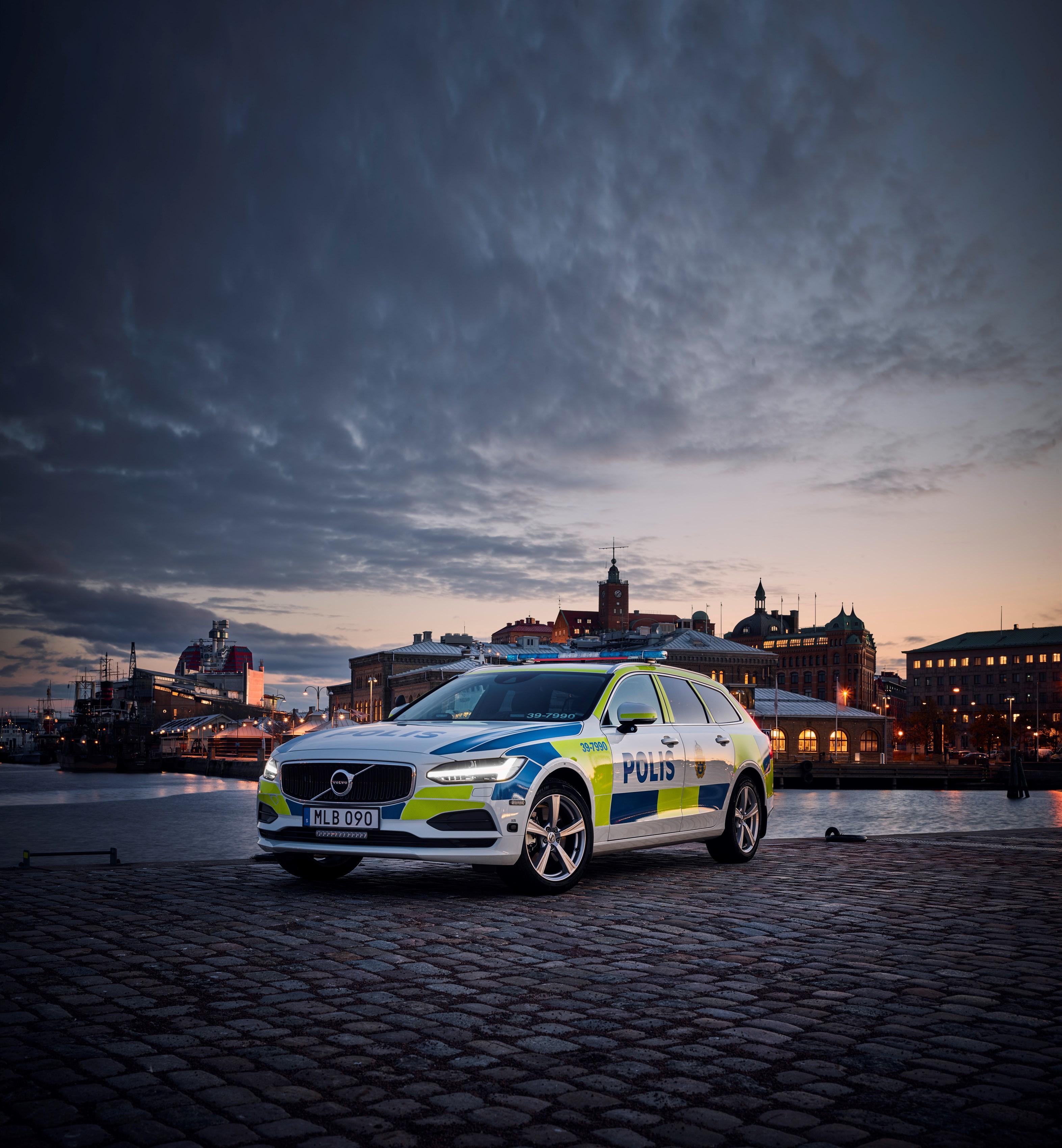 201331_volvo_v90_as_a_police_car.jpg