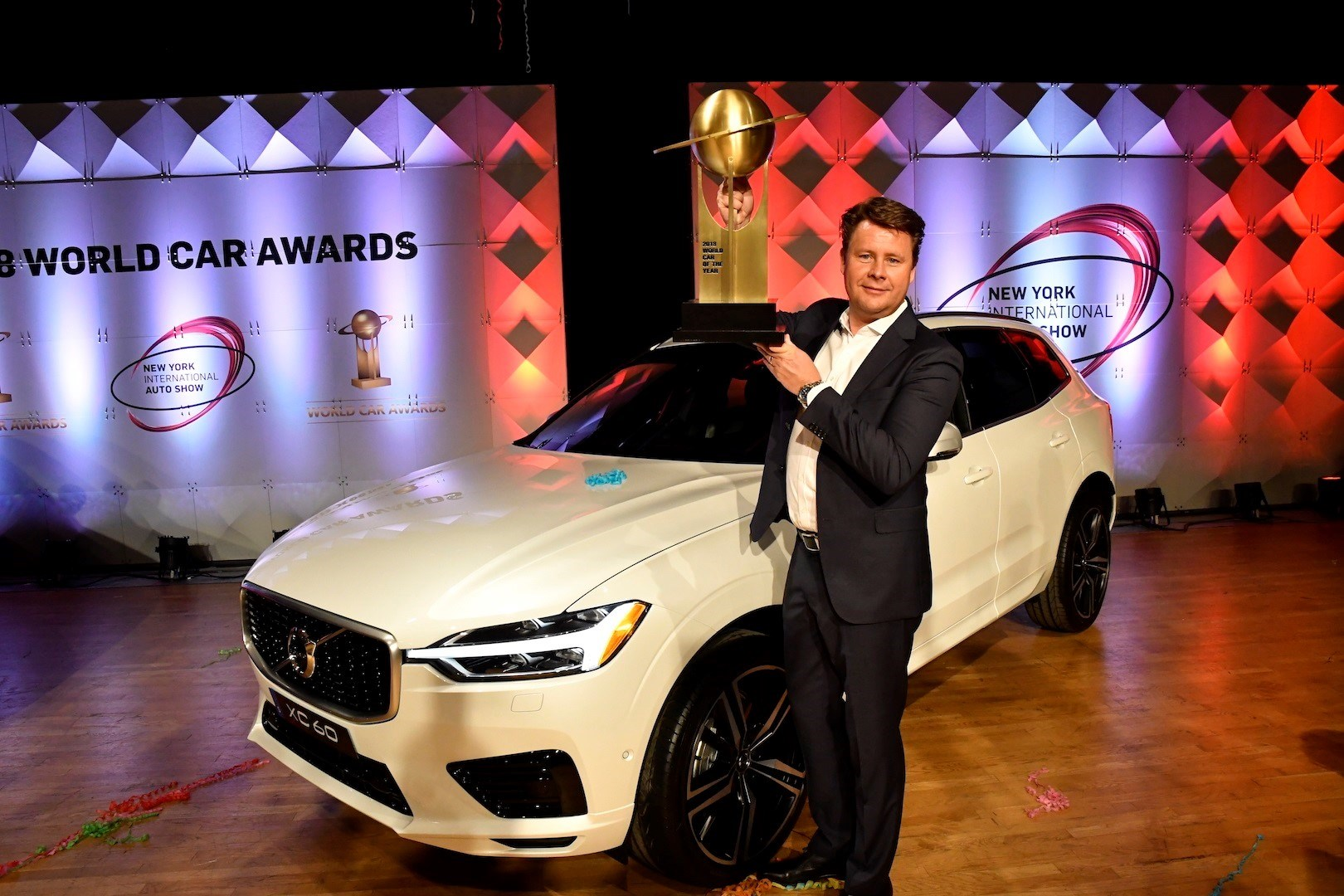 226791_volvo_xc60_wins_world_car_of_the_year.jpg
