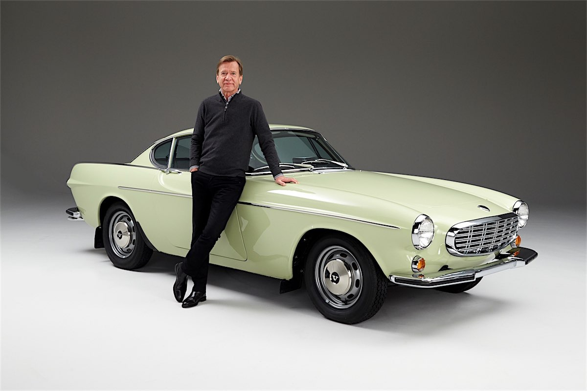 225599_hukan_samuelsson_president_ceo_volvo_car_group_with_his_1967_volvo_s-resized.jpg
