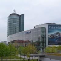 Mercedes-Benz autószalon Münchenben