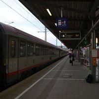 Vonattal Velencébe