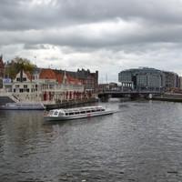 Vonattal Hollandiában