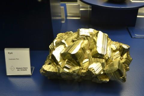 ásvány München múzeum Museum Reich der Kristalle pirit