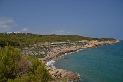 RENFE 130 sorozat, talgo, nagysebességű vonat, mediterrán korridor Vilanova i la Geltrú