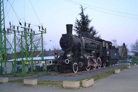 sopron állomás GySEV 324-es sorozatú gőzmozdony