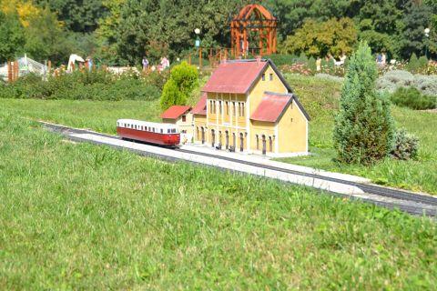 Szarvas Mini Magyarország parkvasút kerti vasút