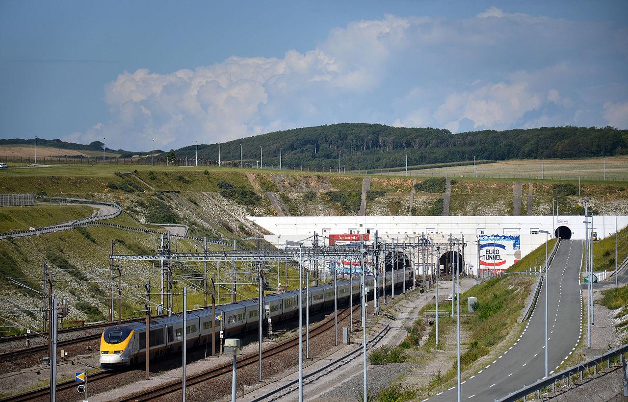 tgv_tmst_3011-2_sortie_tunnel_sous_la_manche_coquelles_florian_f_vre.JPG