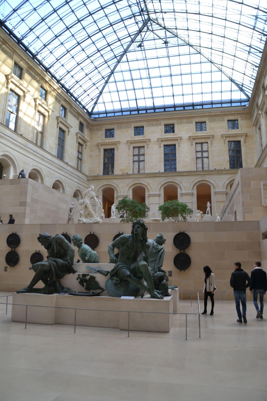 louvre, párizs, múzeum