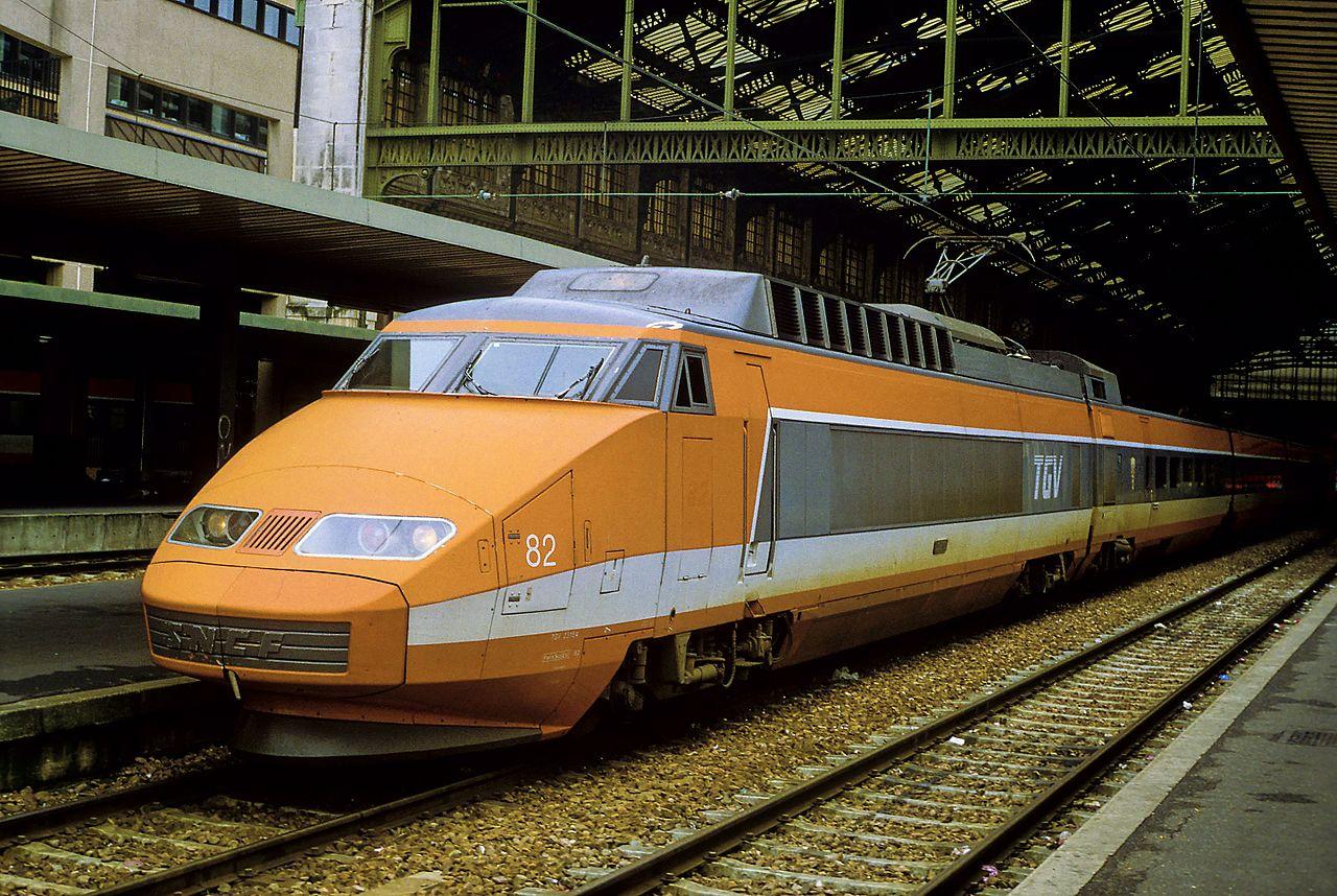 TGV első generációs szerelvény, 1994 október, narancssárga, Párizs, Gare de Lyon