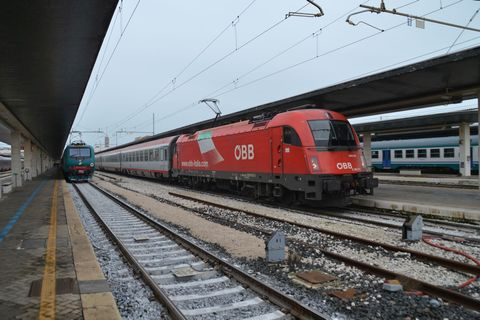 Velence állomás, venezia santa lucia, olaszország, vonat