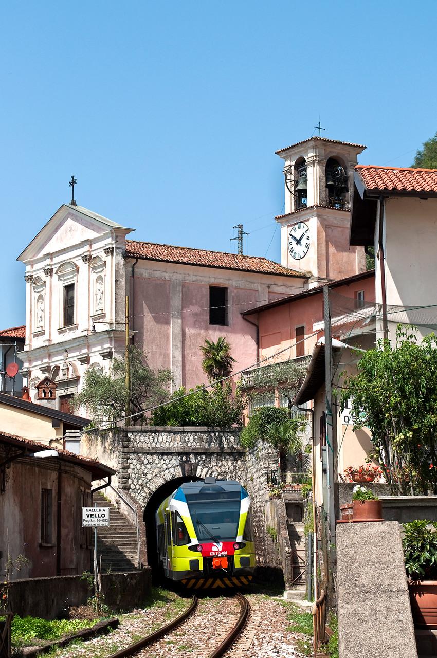 8vello, Brescia–Iseo–Edolo-vasútvonal