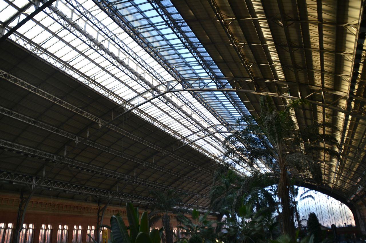madrid Atocha pályaudvar csarnok, tetőszerkezet