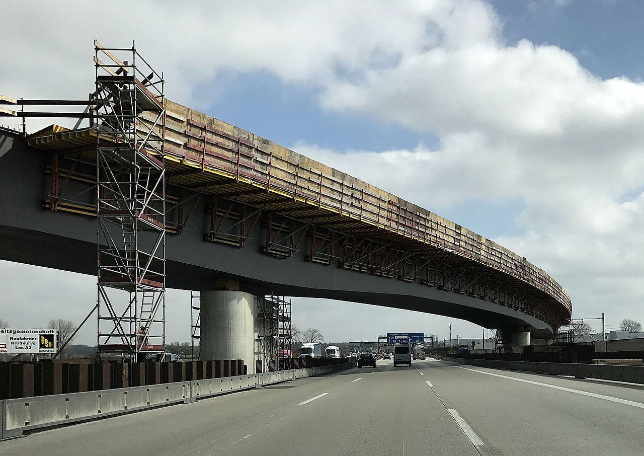A92 autópálya, s-bahn, átkötés, reptér